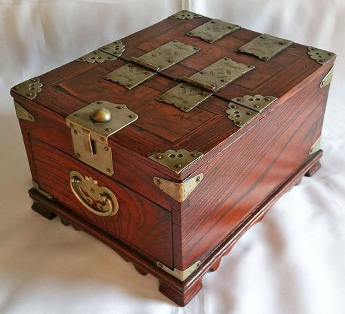 19th Century Men's Mirror Box of Quality Persimmon and Zelkova Wood