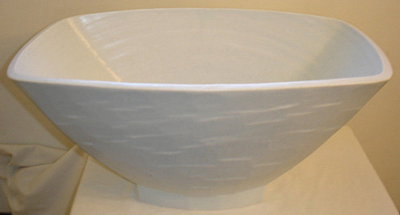Kim Yik Yung Rare Early Porcelain Vessel from 1992