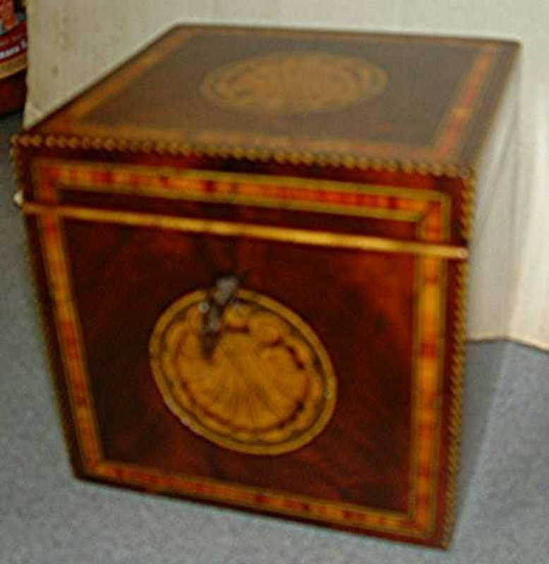 Beautiful English Tea Caddy  c 1790