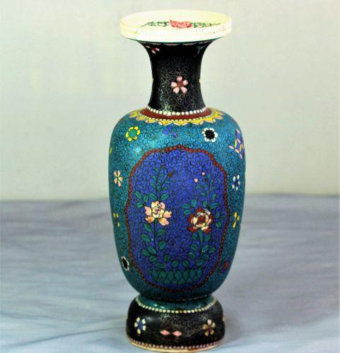 Japanese Totai Cloisonne Vase, Meiji period