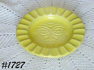 VINTAGE McCOY POTTERY SUN FACE LEMON YELLOW ASHTRAY OR WALL DECOR