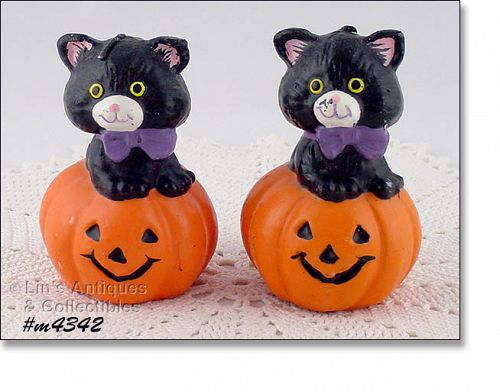 GURLEY CANDLE COMPANY BLACK CAT IN JACK-O-LANTERN PUMPKIN CANDLE