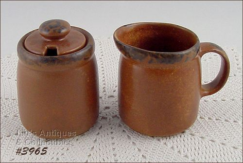 McCOY POTTERY VINTAGE CANYON CREAMER AND SUGAR WITH LID