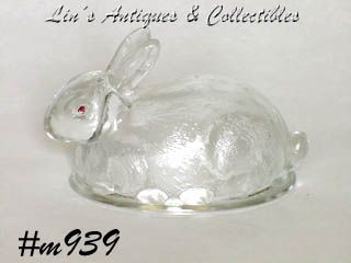 SITTING RABBIT CANDY CONTAINER