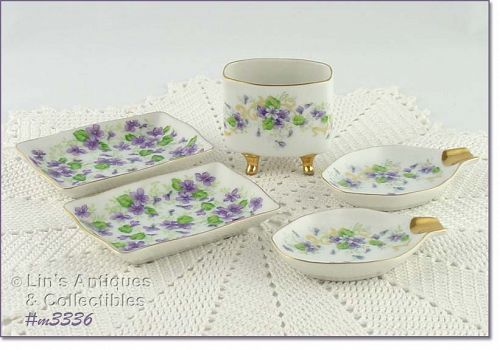 VINTAGE LEFTON VIOLETS LADIES SMOKING SET ASHTRAYS CIGARETTES HOLDER