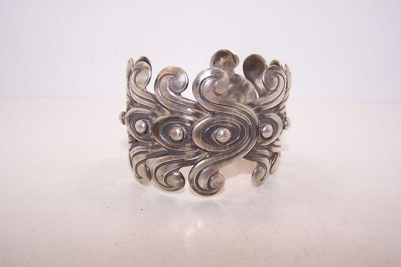 Los Castillo 262 Vintage Mexican Silver Double Pre Colombian Cuff