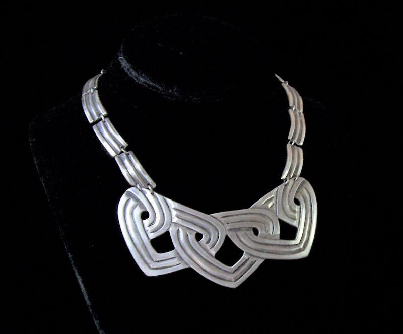 Los Castillo 252 Vintage Mexican Silver Chased Hearts Necklace