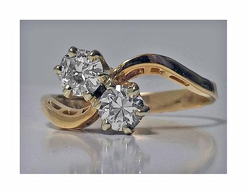 Antique Diamond 14K twist design Ring, C.1920.