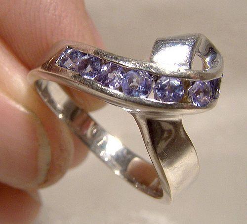 14K White Gold Tanzanites Ribbon Ring Custom Made Size 7-1/2