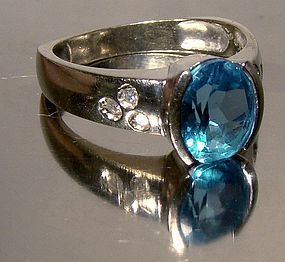 10K WHITE GOLD BLUE TOPAZ RING with DIAMONDS - Size 8