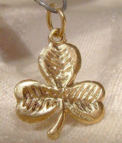 9k Yellow Gold Shamrock Pendant or Charm