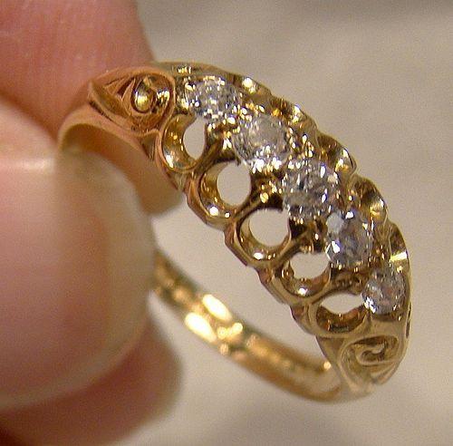 Edwardian 18K Yellow Gold 5 Diamonds Row Ring 1912 Size 6-1/2