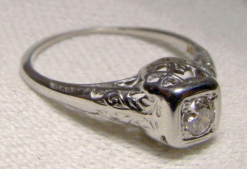 18K White Gold Filigree Art Deco Diamond Ring 1920s 18 K Size 5-3/4