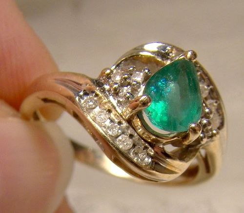 10K Pear Cut Emerald and Diamonds Ring 1970s - Size 7