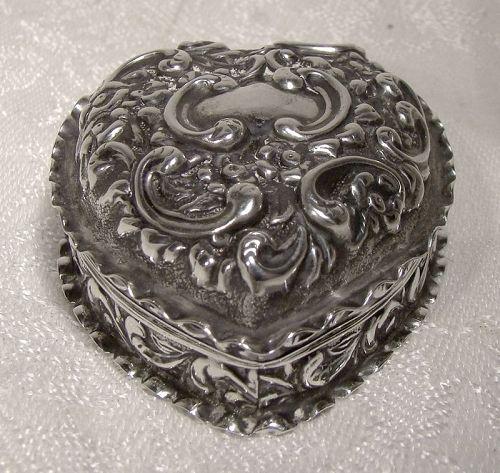 Edwardian Sterling Silver Repousse Heart Trinket Dresser Box 1901 Vict