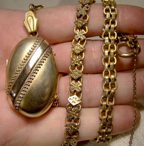 Victorian Gold Filled Photo Locket on a Fancy Rolled Gold Plate Chain