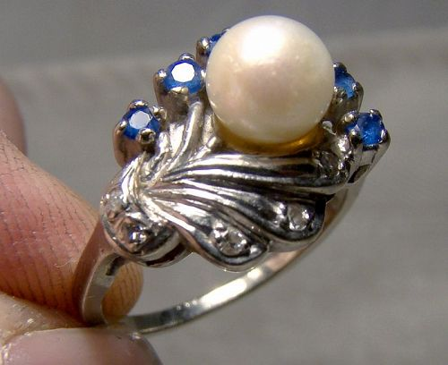 10K White Gold Pearl Sapphires and Diamonds Ring 1960s - Size 5-3/4
