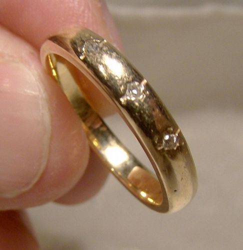 15K Yellow Gold Wedding Band with 3 Diamonds 1930s - Size 5-3/4