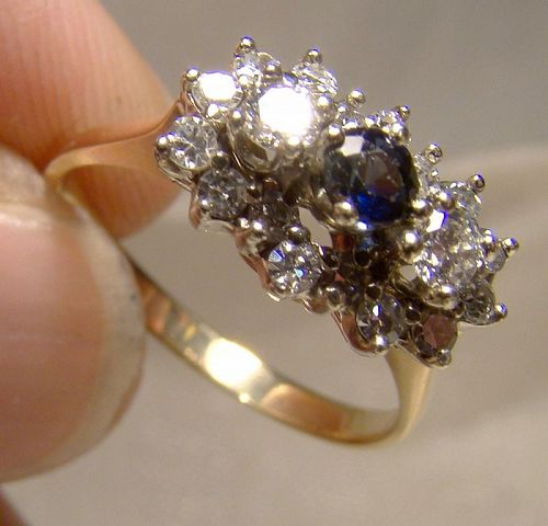 14K Yellow Gold Diamonds and Blue Sapphire Row Ring with Diamonds