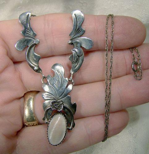 Signed Les Baker Sterling Mother of Pearl Southwest Necklace