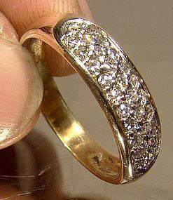 Elegant 14K PAVE DIAMONDS RING WEDDING BAND 1980s Size 6-1/2