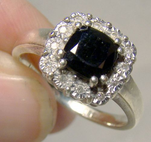 10K White Gold Sapphire and Diamonds Ring 12 Flowers Size 7-1/4