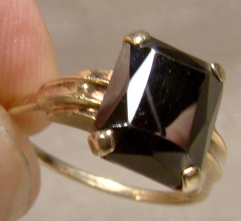 10K Black Alaskan Diamond Hematite Ring 1950s - Size 6-1/4