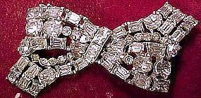 Large CORO SIGNED RHINESTONE BOW PIN c1930s