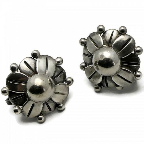 1940's Hector Aguilar Taxco Mexican 940 Silver Flower Earrings