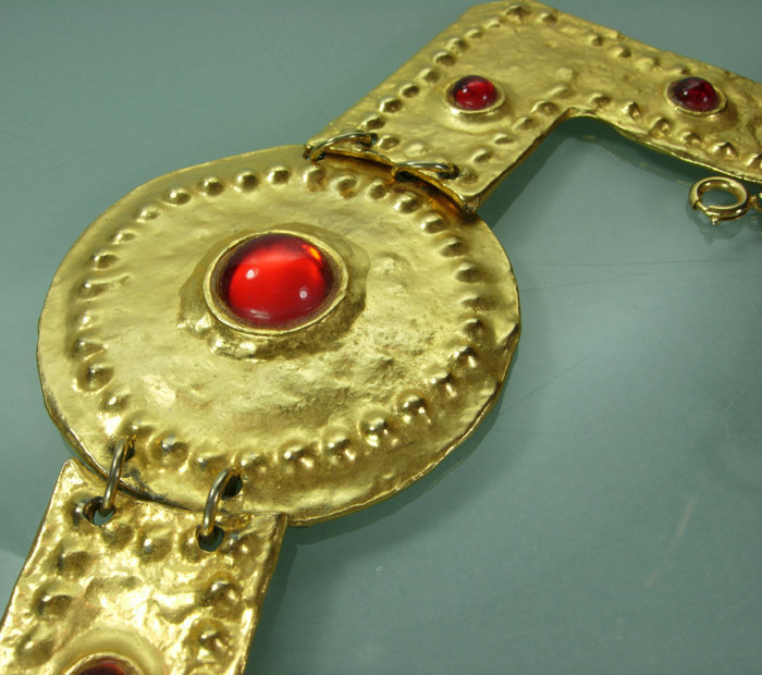 1970s Alexis Kirk Etruscan Barbaric Red Cabs Necklace