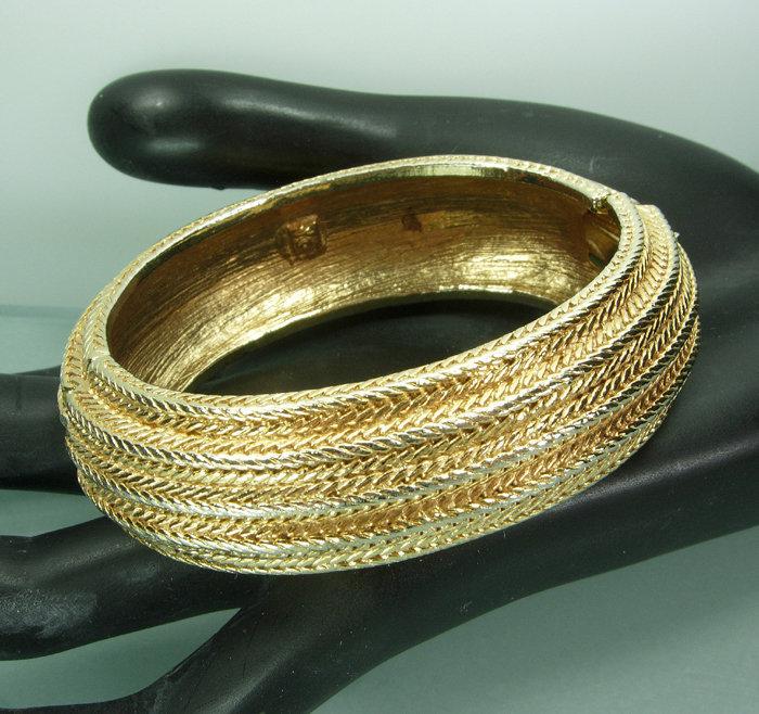 1980s Signed Valentino Rope Form Hinge Bangle Bracelet