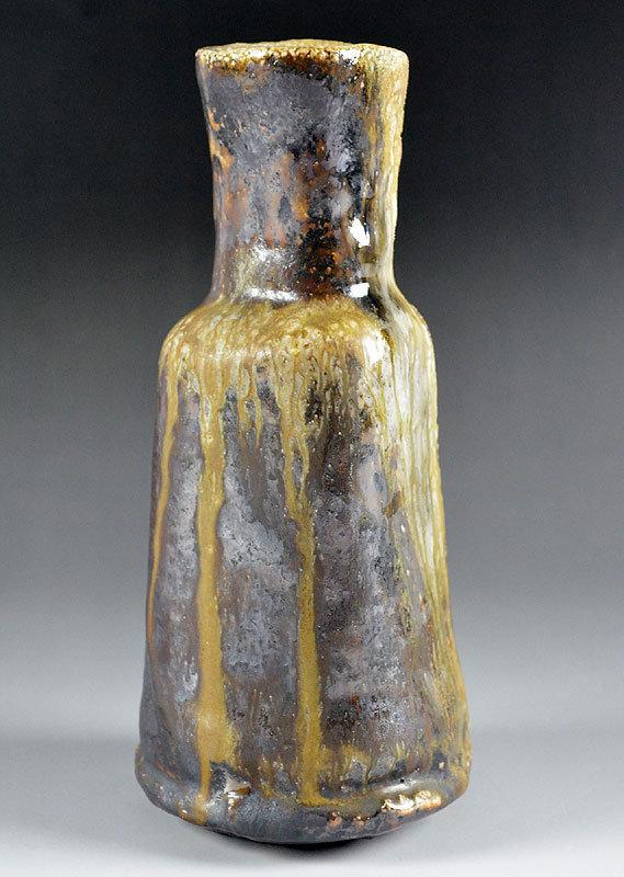 Oni Shino Vase by Tsukigata Nahiko