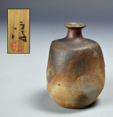 Living National Treasure Isezaki Jun Bizen Tokkuri