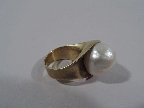 Fabulous 18K Gold & South Sea Pearl Ring by Takashi Wada
