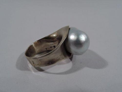 Beautiful 14K Gold & South Sea Pearl Ring by Takashi Wada