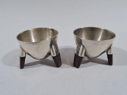Pair of Spratling Midcentury Modern Sterling Silver Tripod Open Salts