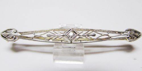 Filigree Bar pin with a Diamond