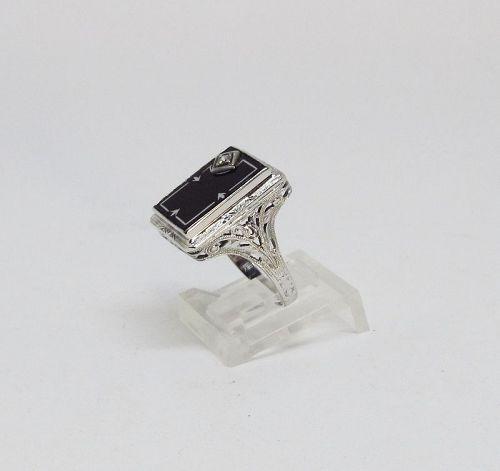 Filigree Ring  Onyx and Diamond 18Kt Gold