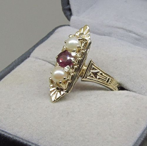Ruby and Pearl Ring 14Kt Gold