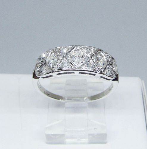 Estate Diamond Ring Set in 14Kt Gold