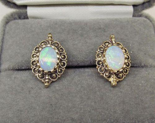 Opal earrings 14Kt Gold