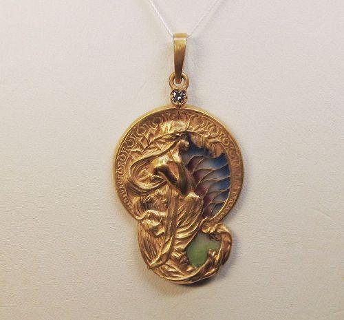 Art Nouveau Plique A Jour 14Kt Gold Pendant