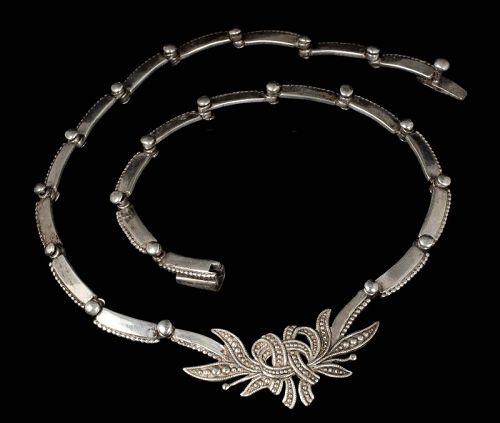 Margot de Taxco Mexican silver foliate bow Necklace des 5346