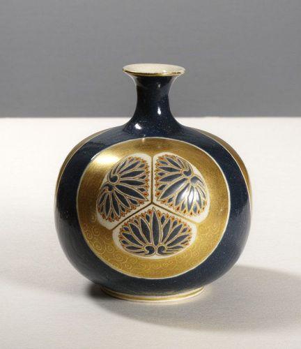 'Imperial' Satsuma vase by Hosai, Meiji period.