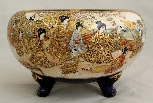 Japanese Meiji Satsuma Earthenware Tripod Koro or Vessel Samurai