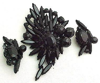 Black Hattie Carnegie Demi - sparkling and Large