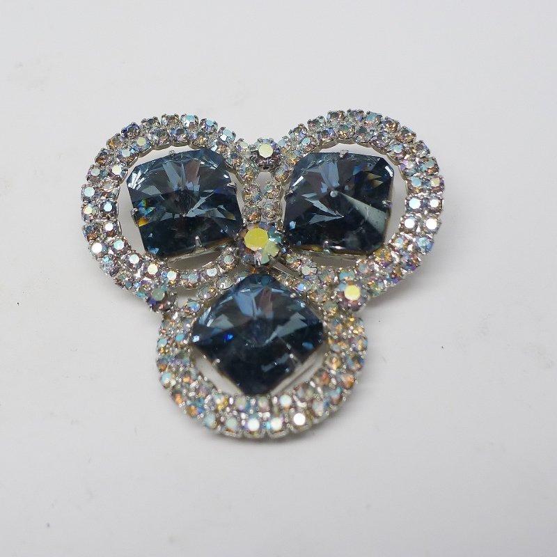 Shades of Blue Trefoil Brooch
