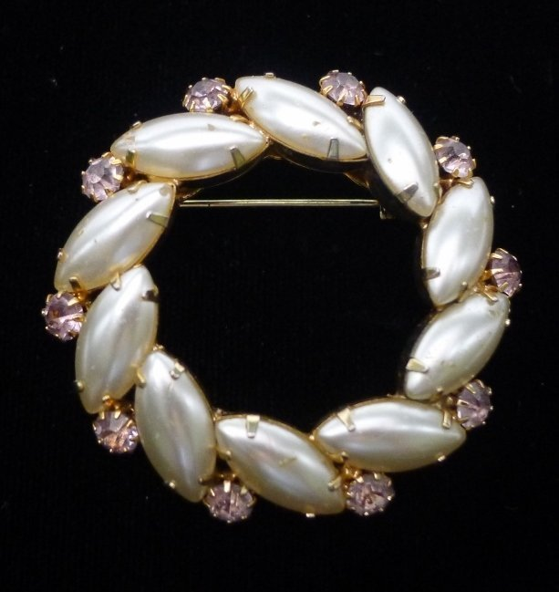 Classic Glass Pearl Circle Pin with Rhinestones