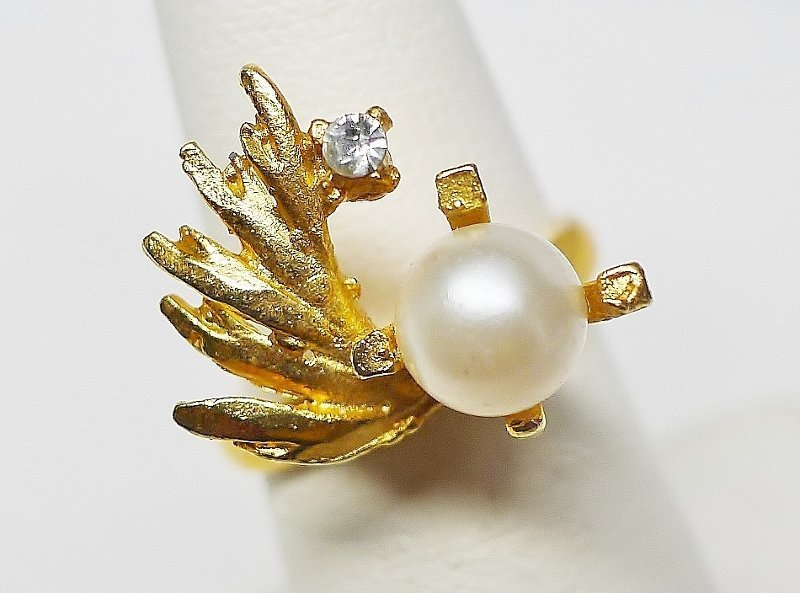 Unusual Faux Pearl Cocktail Ring