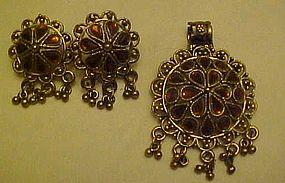 Vintage topaz rhinestone pendant and pierced earrings